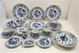 TWENTY EIGHT PCS OF BLUE DANUBE CHINA