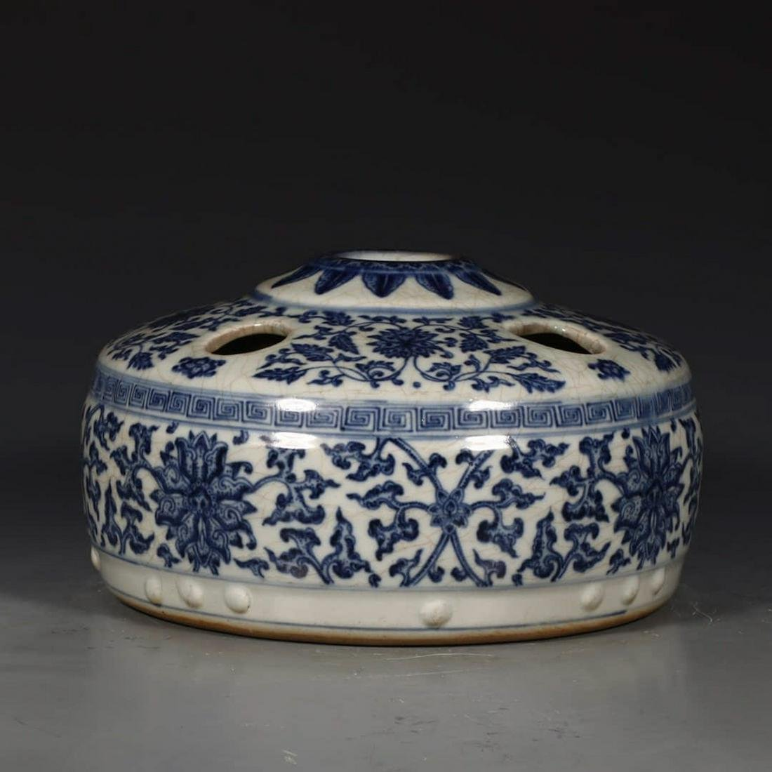 A Chinese Blue and White Floral Porcelain Flower