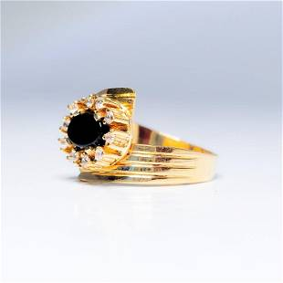 Onyx 18k Yellow Gold Bypass Ring