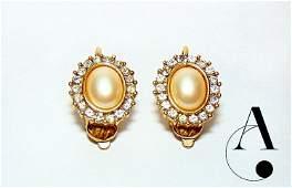 Vintage Earrings: Trifari