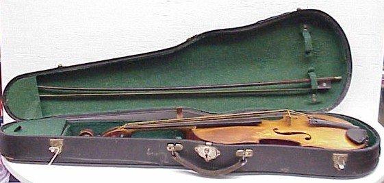 261: Antique Violin, Case & Bow
