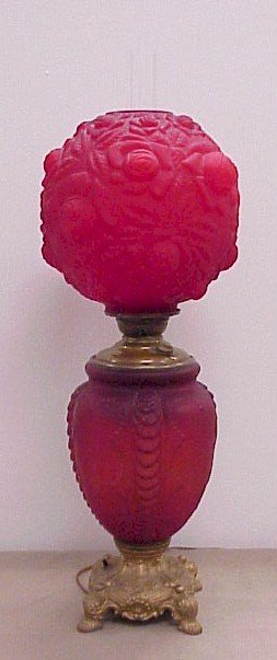 304: Gone with the Wind Red Satin Glass Puffy Lamp