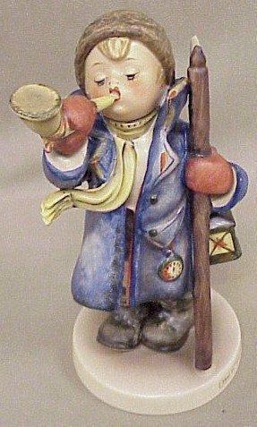 4: Hummel Figurine Hear Ye, Hear Ye #15/I