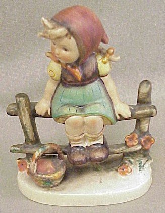 16: Hummel Figurine Just Resting #112/I
