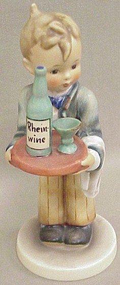 19: Hummel Figurine Waiter #154/O
