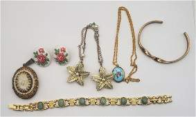 VINTAGE GOLD TONED JEWELRY LOT