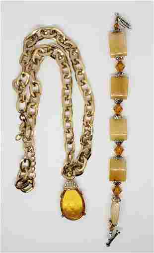 VINTAGE GOLD TONED LINKED NECKLACE WITH