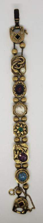 VINTAGE GOLD TONED CAMEO BRACELET WITH