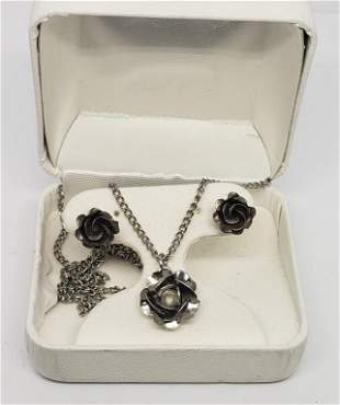 SET! SILVER TONED ROSE NECKLACE WITH MATCHING