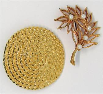 2-VINTAGE GOLD TONED BROOCHES: (1)CIRCULAR