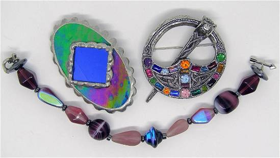 VINTAGE SILVER TONED JEWELRY LOT: (1)OVAL RESIN