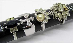 4-VINTAGE SILVER TONED FASHION BLING RINGS