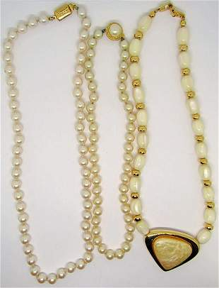 3-VINTAGE NECKLACES WITH FAUX PEARLS/LUCITE