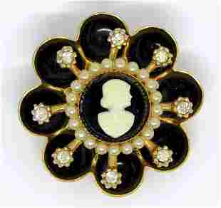 VINTAGE CORO GOLD TONED CAMEO BROOCH