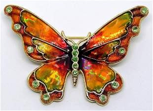 VINTAGE MONET GOLD TONED BUTTERFLY BROOCH