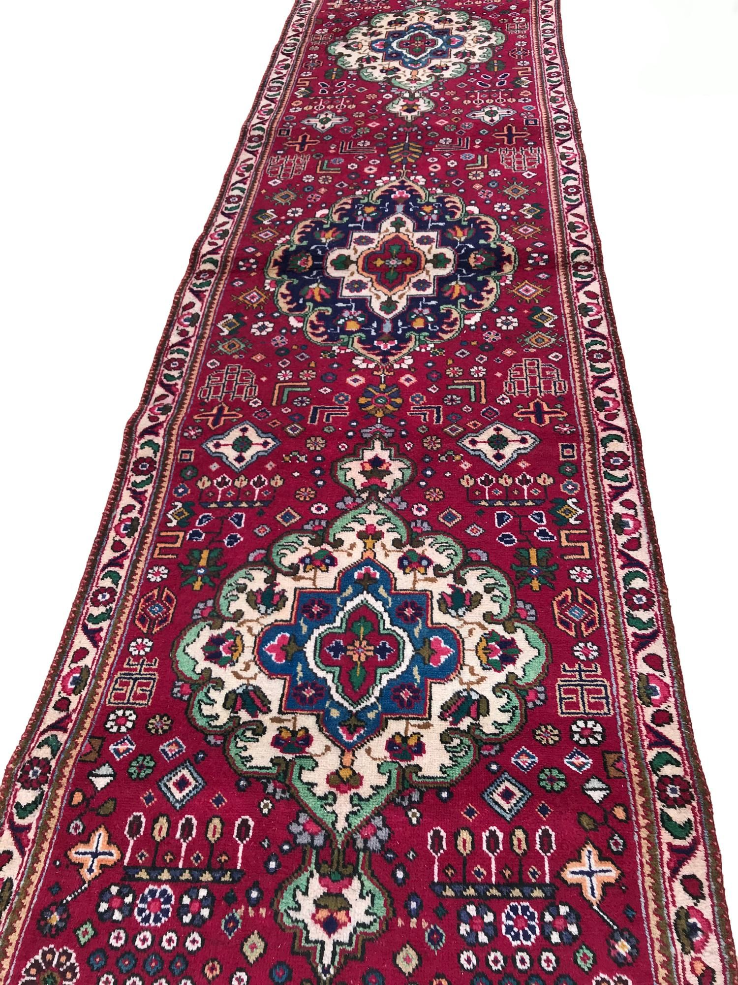 Persian tabriz 135 style rug wool pile vintage hand
