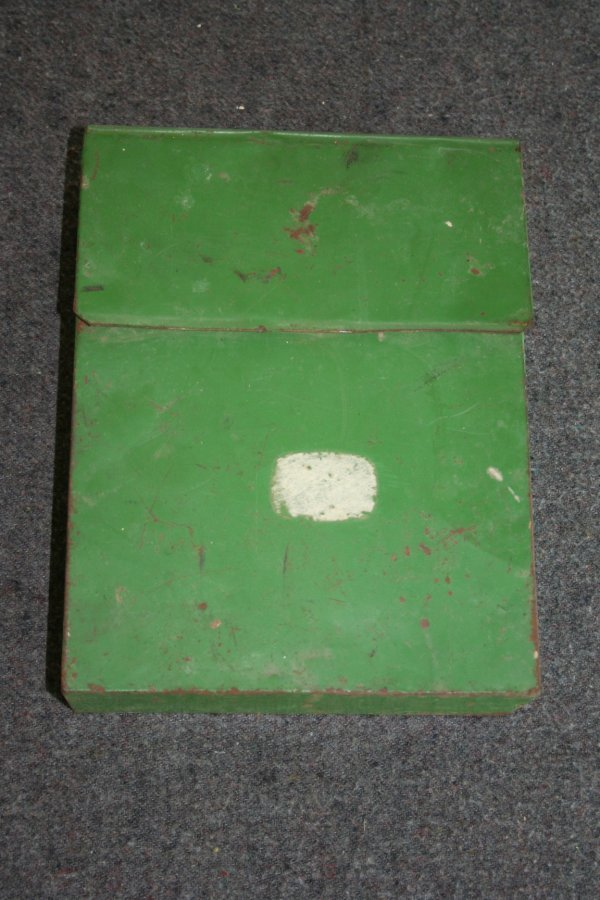 45: John Deere Box