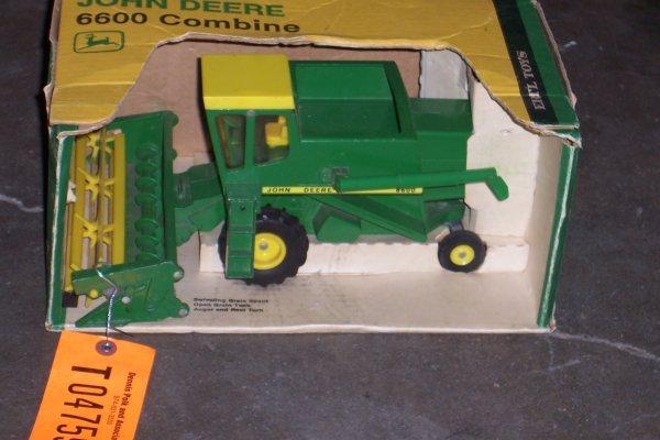 4759: John Deere  6600 Combine New In Box