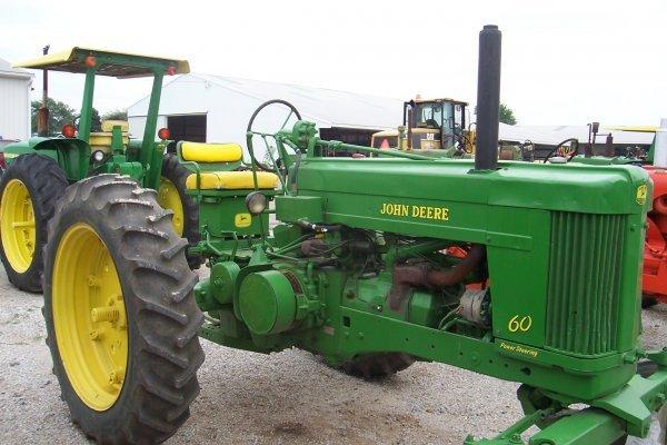 11421: John Deere 60 Tractor #6025400