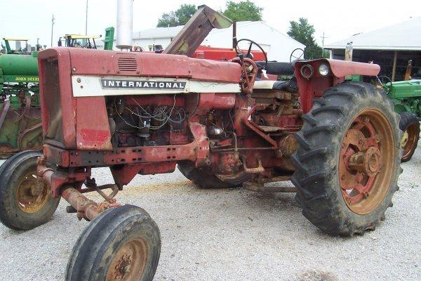 14662: International Harvester 656 Tractor #29224