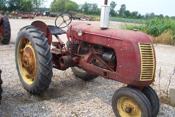 15112: Cockshutt 30 Tractor #21701