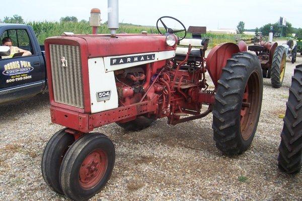 15121: Farmall 504 G Tractor #15802