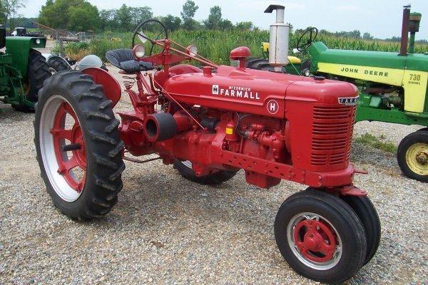 15131: Farmall H Tractor #351986