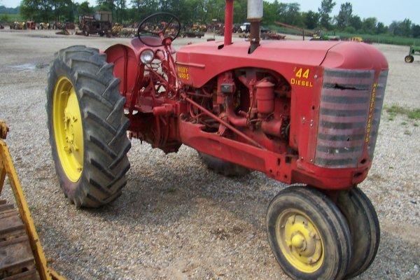 15159: Massey Harris 44 D Row Crop Tractor