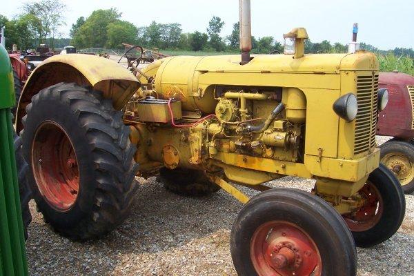 15199: Minneapolis Moline Utility LP Tractor #01214487