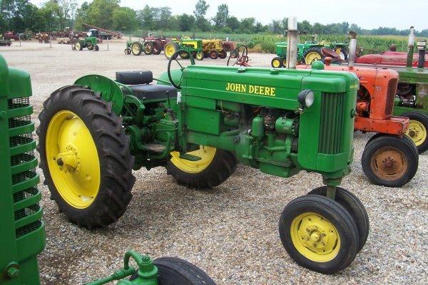 1520: John Deere 40 T Tractor #68133
