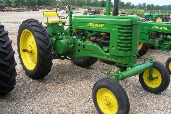 5947: John Deere Styled AW Tractor #687221
