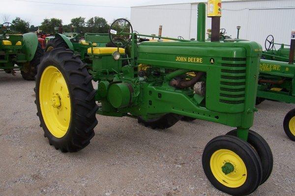 11409: John Deere A Tractor -Serial Number Unreadable