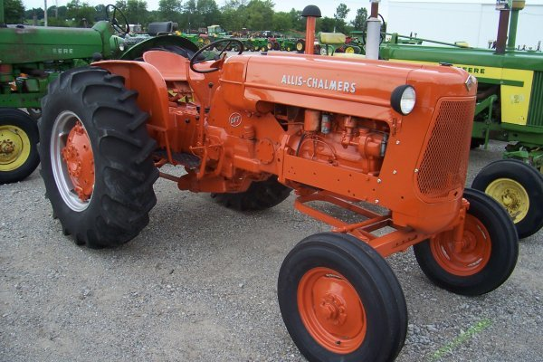 14661: Allis Chalmers D-17 Tractor #19821