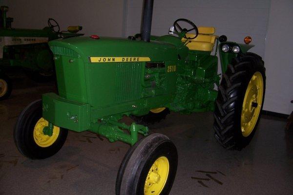 14870: John Deere 2510 G Tractor #1012