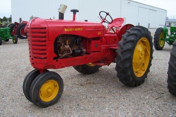 15076: Massey Harris 333 Tractor #21754