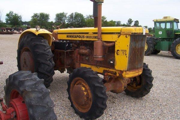 15123: Minneapolis Moline 706 D Tractor #24109652