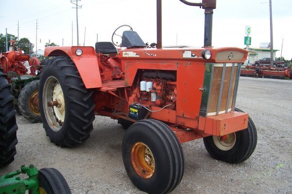 15125: Allis Chalmers D-21 Tractor #4595