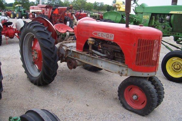 15132: Co-op C-2 Tractor