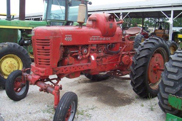 5806: Farmall 400 Tractor #19841