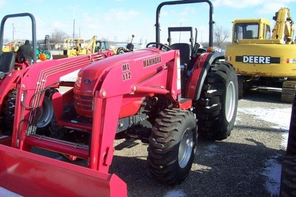 1015: Mahindra 4110 Tractor