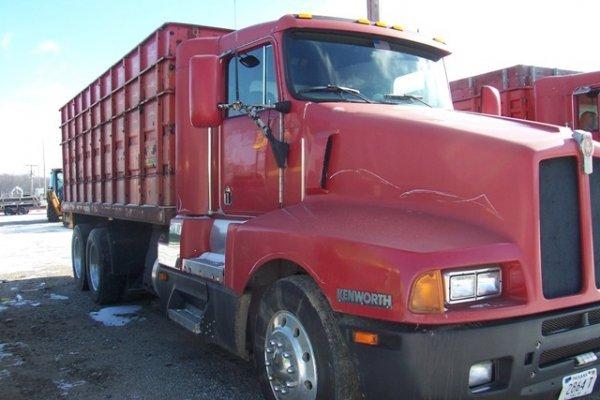 1021: Kenworth Tandem Truck