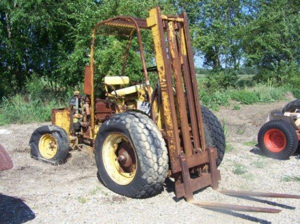 28: John Deere 430U Antique Forklift Tractor