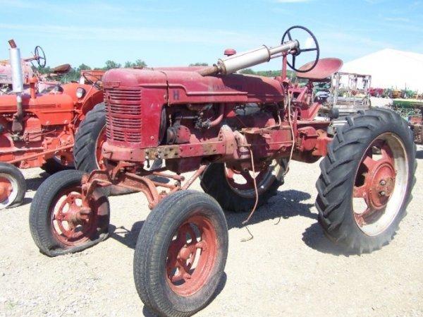 60: IH Farmall H Hi Crop Antique Farm Tractor