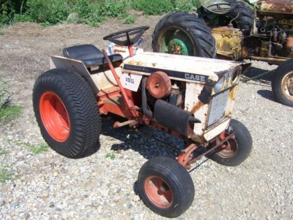 111: Case 195 Lawn and Garden Tractor