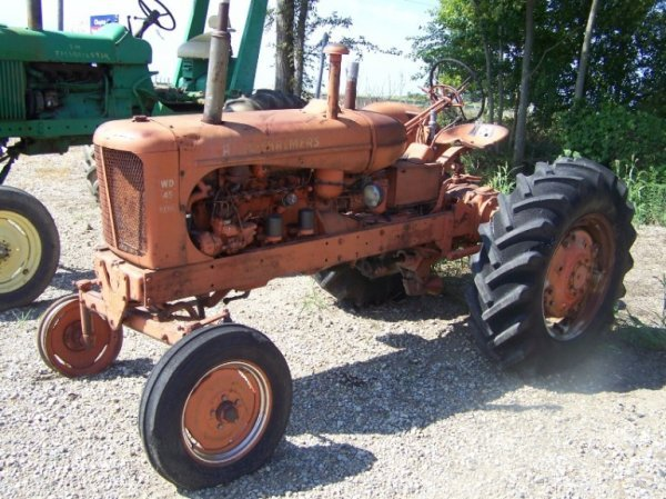 127: Allis Chalmers WD 45 Diesel Antique Farm Tractor
