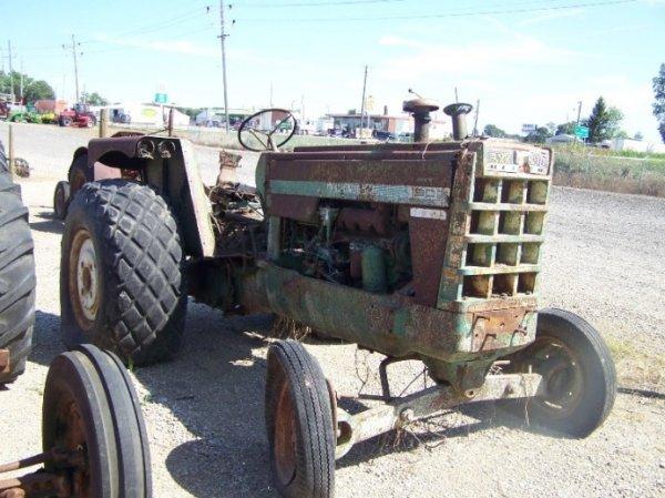 134: Oliver 1900 Antique Farm Tractor