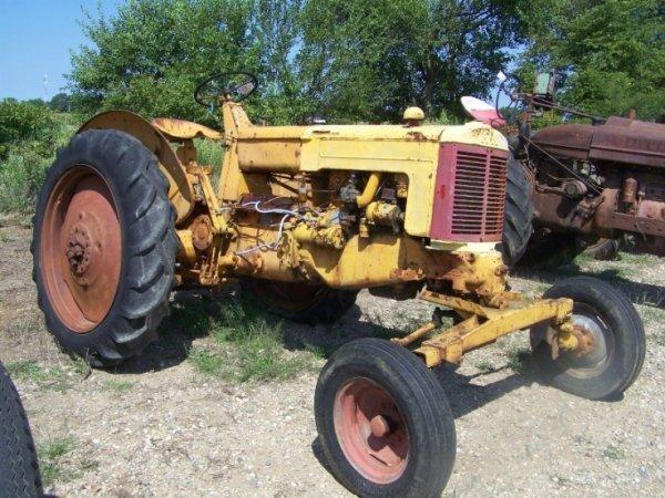 175: Minneapolis Moline ZB Antique Farm Tractor