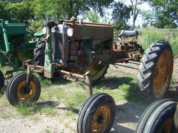 176: John Deere 40 High Crop Antique Farm Tractor