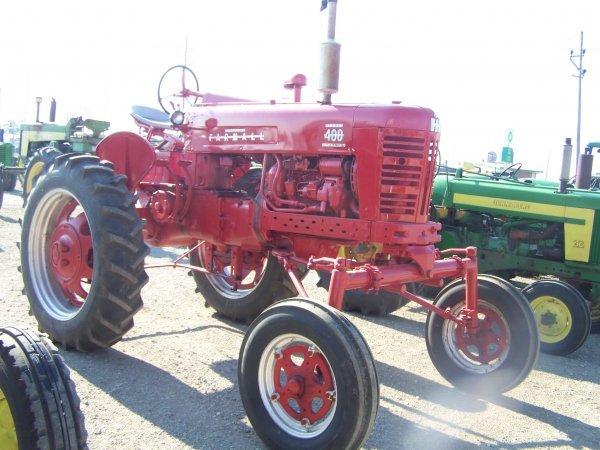 46: IH Farmall 400 Diesel Hi Crop Farm Tractor