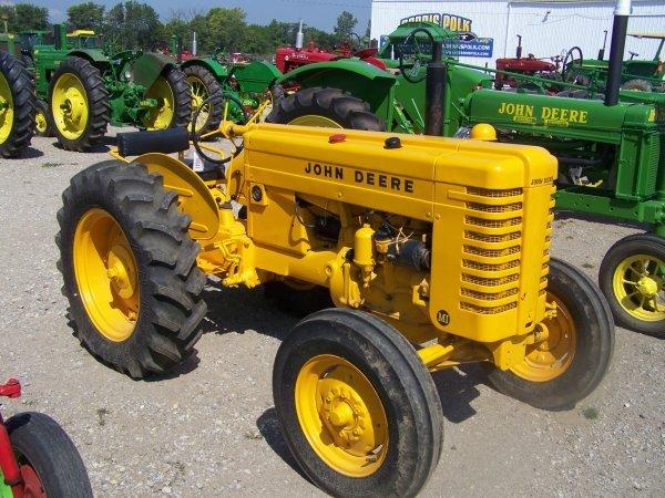 47: John Deere MI Wide Front Antique Farm Tractor
